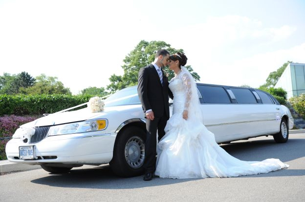 a picture of one of our limousines at a couple's wedding located in Bedford Park, IL