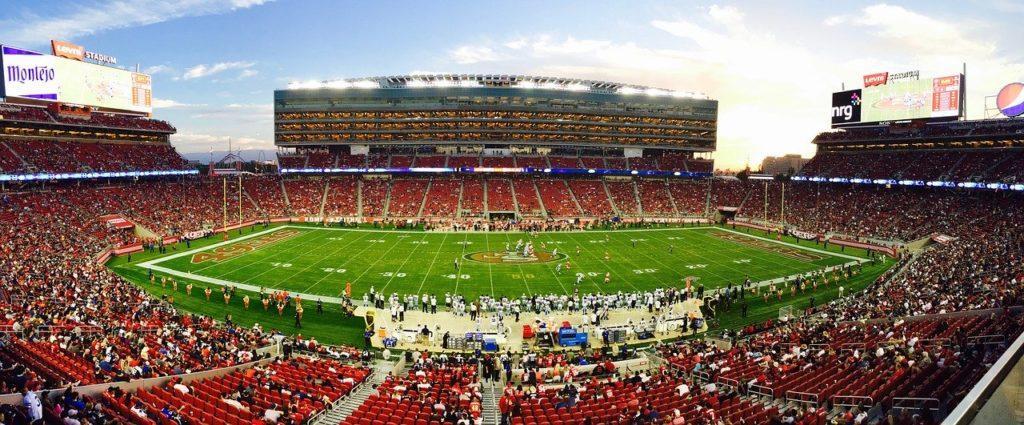 athletes, stadium, crowd